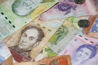 President Nicolas Maduro has long vowed to stamp out Venezuela's currency black market, which he has argued has contributed to the country's economic crisis. (Ryan Mallett-Outtrim/Venezuelanalysis)