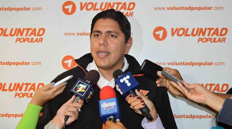 Popular Will party leader Lester Toledo confirmed that the three mayors had been expelled by Democratic Action on Friday (El Nacional).