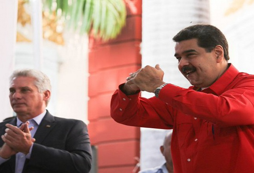 Venezuelan President Nicolas Maduro and his Cuban counterpart Miguel Diaz-Canel at the Forum. (VTV)
