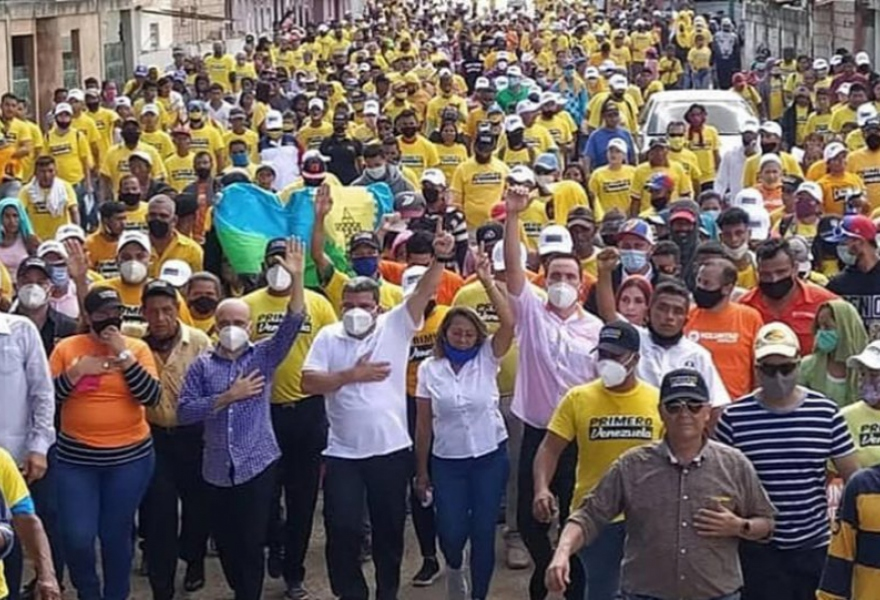 Opposition party Venezuela First holds a campaign march in Zulia State. (Primero Venezuela)
