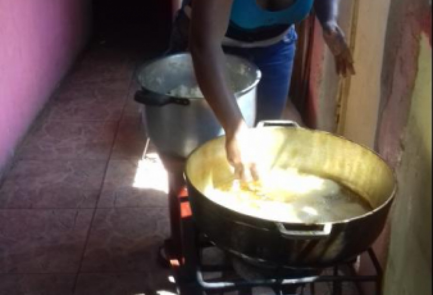 Preparing to cook arepas. (Ana Felicien)