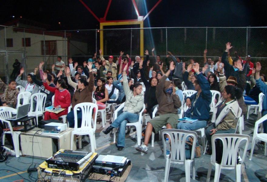 Communal council assembly in Santa Rosa (Tamara Pearson)