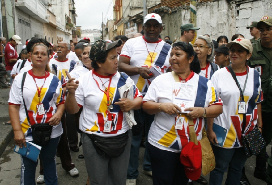 8000 brigadiers will visit 1,250,000 houses as second stage of housing mission gets underway (CorreodelOrinoco).