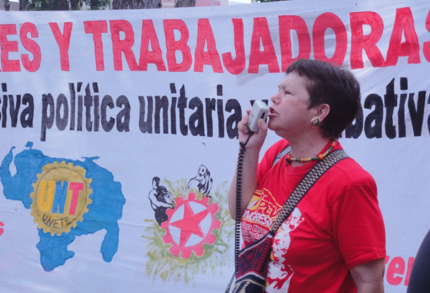 Adelaida Seipa of the Workers' Councils Platform for Gran Caracas said workers were prepared to go to a referendum on the Special Law of Socialist Workers' Councils (Rachael Boothroyd/Venezuelanalysis)