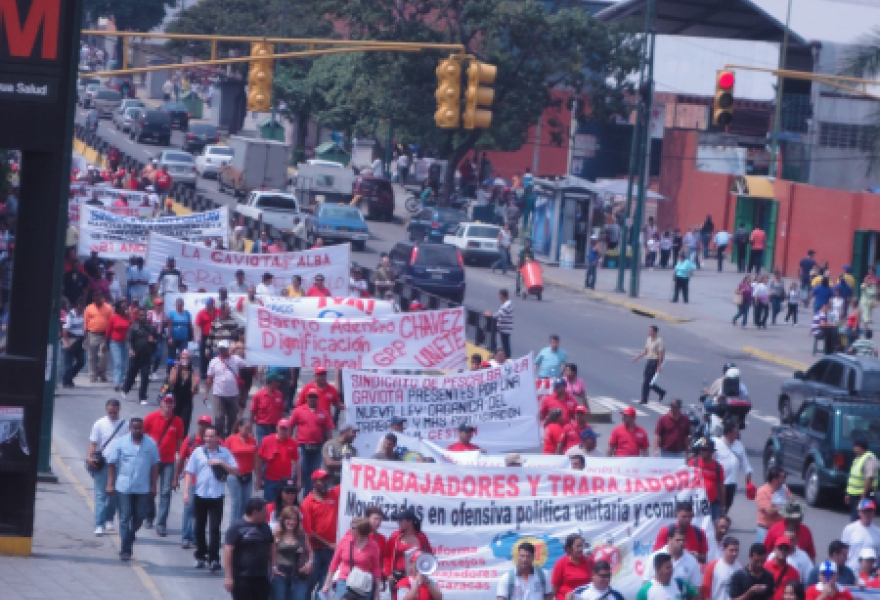 Workers marched from Plaza Sucre in Caracas demanding a new and revolutionary labour law (Rachael Boothroyd/Venezuelanalysis)