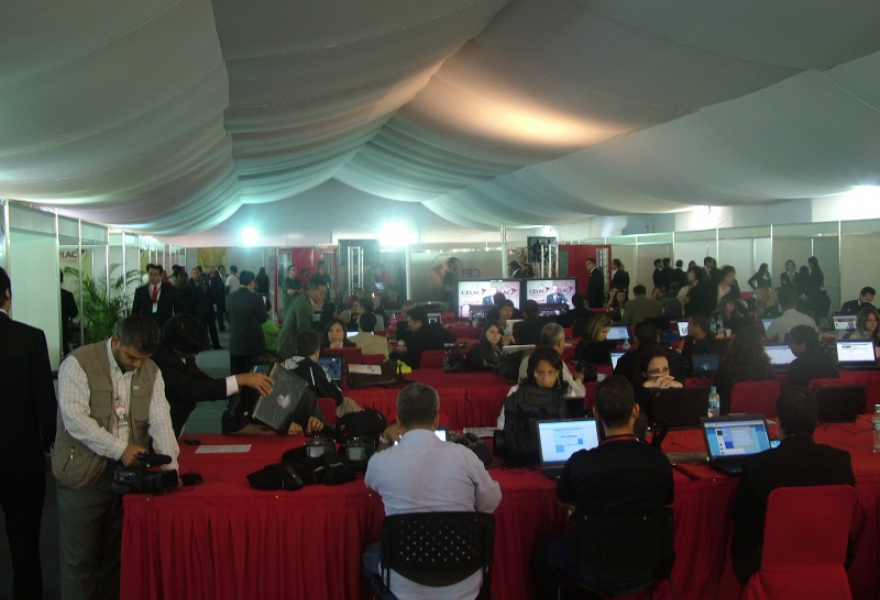 Inside the press tent  (Tamara Pearson / Venezuelanalysis.com)