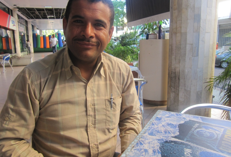 Alcasa worker Denny Sucre, December 2011 (Ewan Robertson)