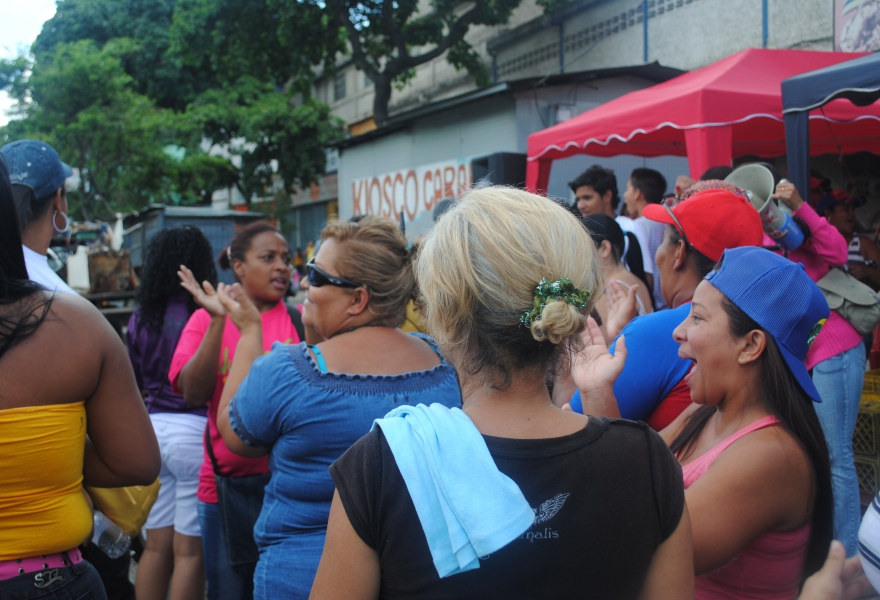 Dancing at the PSUV stall (Rachael Boothroyd - Venezuelanalysis)