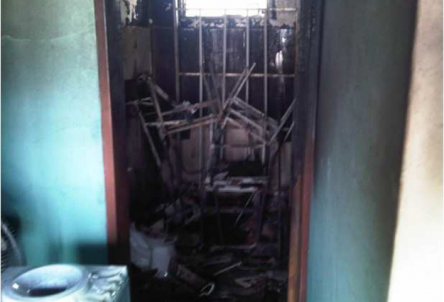 A health clinic in the state of Barinas that was set on fire by opposition groups.