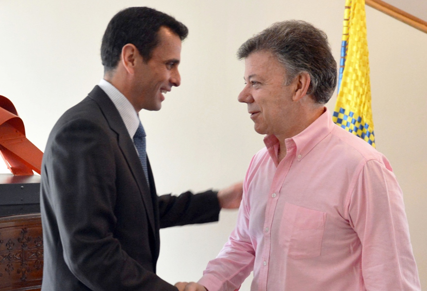 State governor of Miranda Henrique Capriles (left), met with Juan Santos yesterday (agencies)