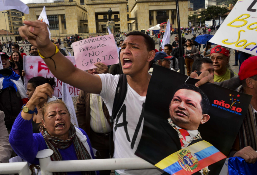 A small protest was held in Bogota's main square yesterday against Capriles's visit (Telesur)