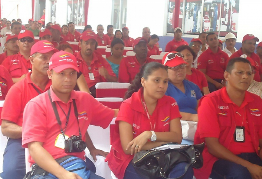 Workers of Industrias Diana in assembly (Linda Castillo/ Aporrea)