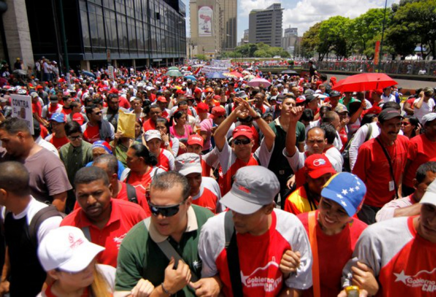 "Pro-government trade unions marched against Venezuela's main business federation last week to protest the ""economic war"" that workers argue the federation is waging against the government. (VTV)"