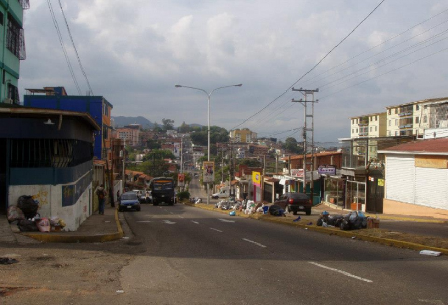 Street barricades have reduced traffic and impeded rubbish collection in San Cristobal. After this photo was taken last week, the situation reportedly worsened. (Jack Johnston)