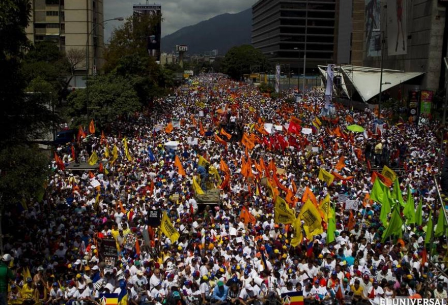 The opposition march in Caracas, where Capriles gave his speech (EFE)