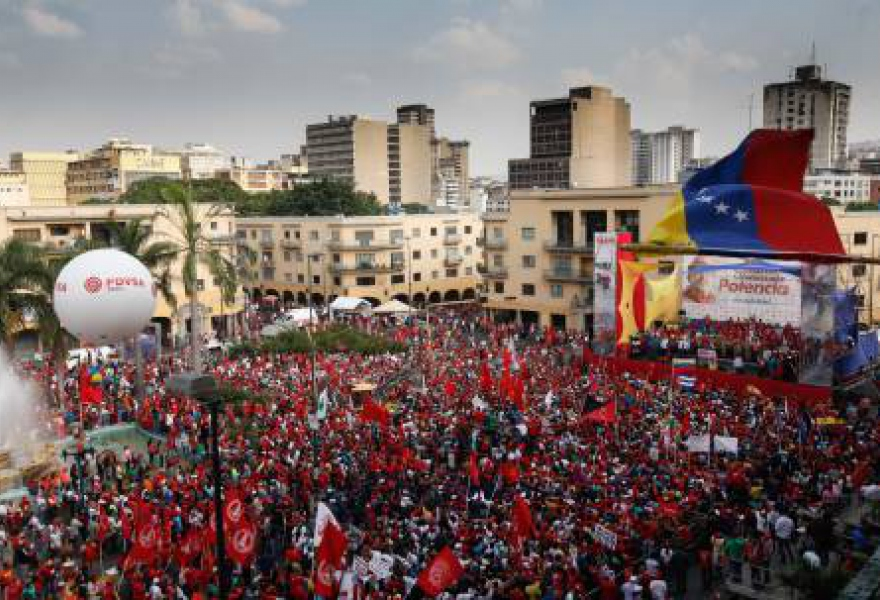 In his May Day speech at a large rally in Caracas, President Nicolas Maduro announced the extension of social programs and benefits to workers nd the population in general. (AVN)