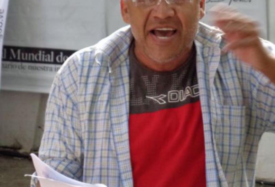 Rafael Jimenez as Amiri Baraka (Arlene Eisen/ venezuelanalysis.com)