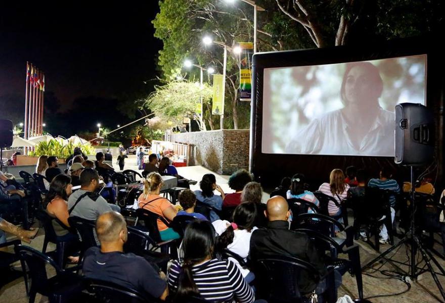 """""""Cinema Under the Stars"""" (Distrito Capital)"""