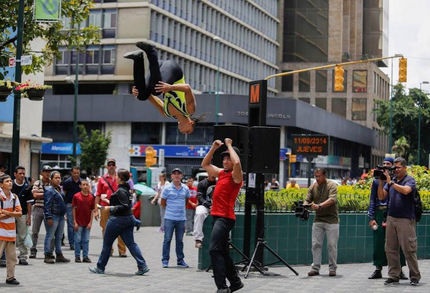 Performance Artists (Distrito Capital)
