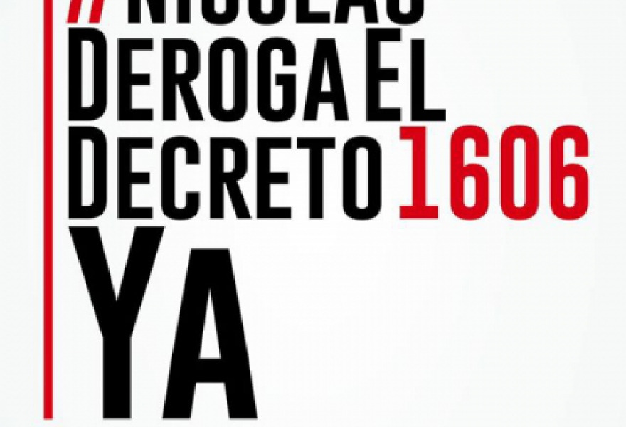 "The image circulating social networks calling for signatures to defy Maduro's 1606 Decree copy the immensely successful campaign against Obama's executive order calling Venezuela threat. The new image reads: ""On the subject of revoking despicable decrees, (aporrea.org)"