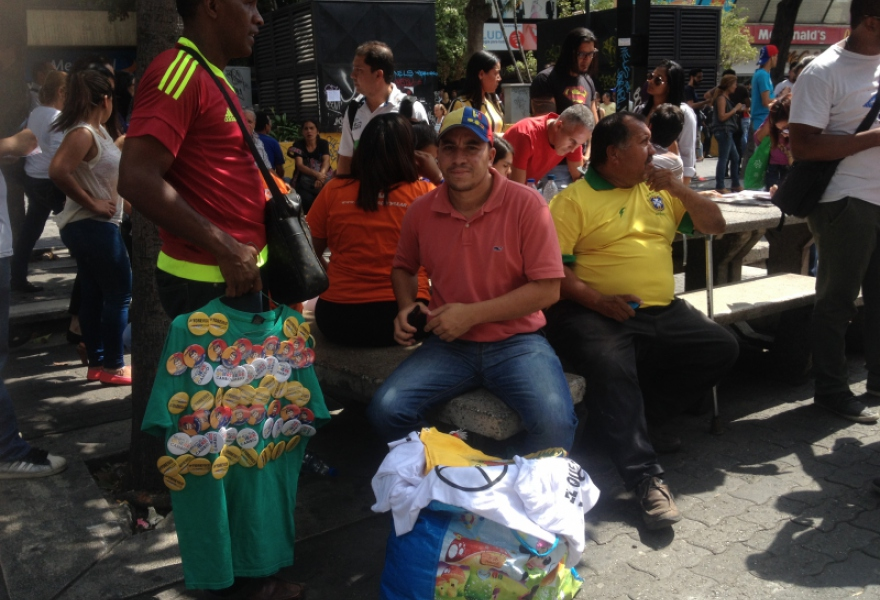 Opposition merchandise (Rachael Boothroyd Rojas/Venezuelanalysis)